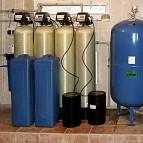 В состав системы водоподготовки входят: фильтр обезжелезиватель - два баллона, фильтр умягчения воды - два баллона...